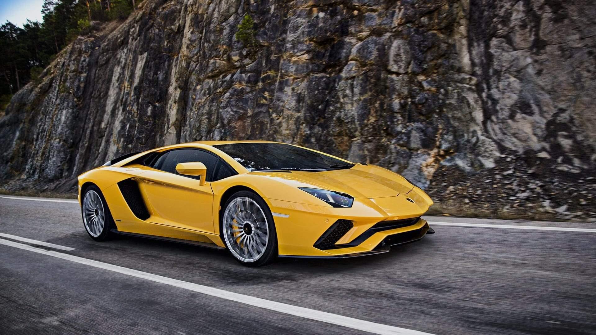 Compre Uma Lamborghini Com Bitcoin Em Newport Beach