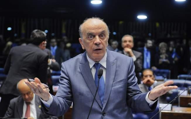 Político do PSDB José Serra escreveu sobre blockchain (foto: Pedro França/Agência Senado)