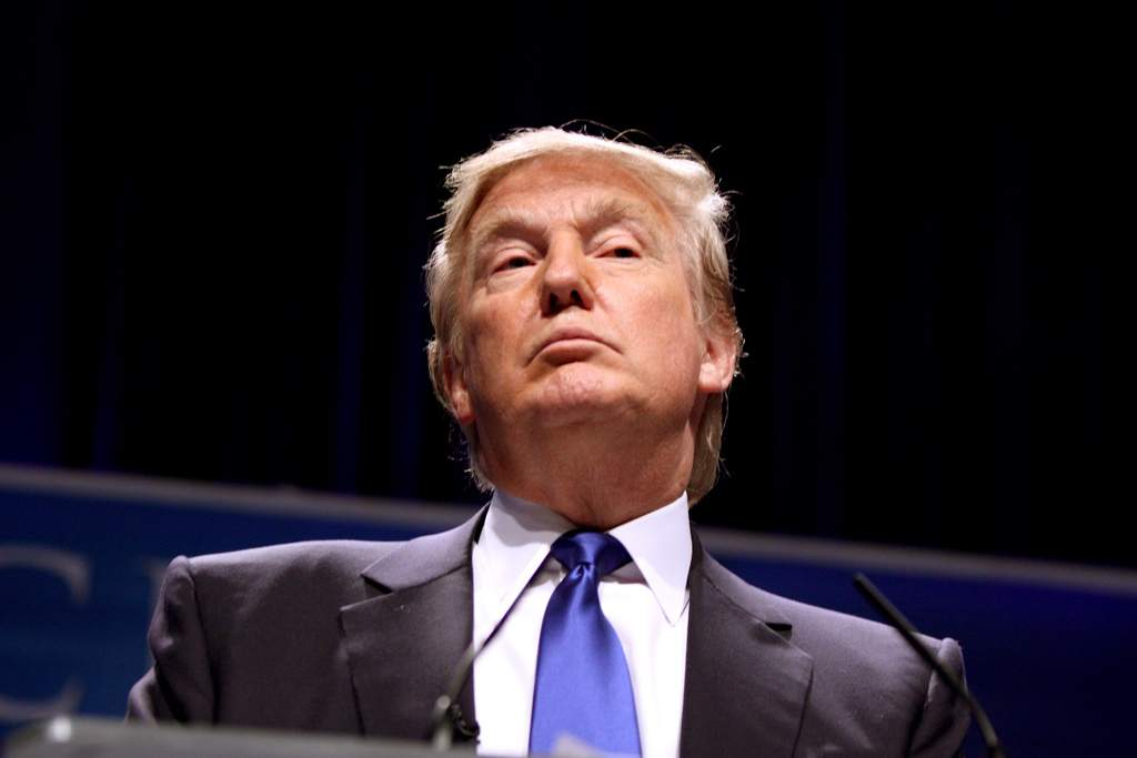 Trump proíbe qualquer transação com criptomoeda da Venezuela