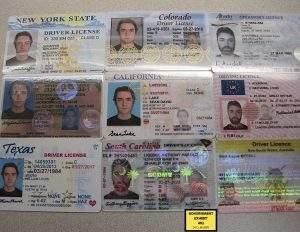 Diversos documentos do acusado (Foto: Governo dos EUA/Wikimedia)