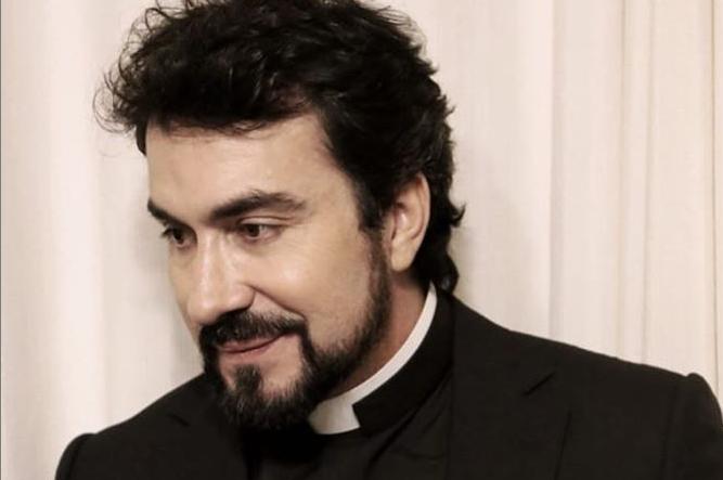 Após reclamar do Bradesco, Padre Fábio de Mello recebe proposta de concorrentes