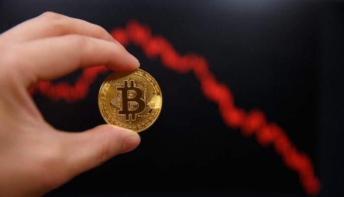 Bitcoin cai 15% em dois dias enquanto criptomoedas despencam 2