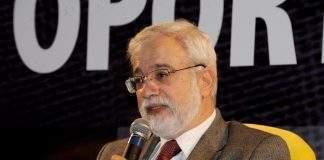 """É insano proibir brasileiros de transacionar criptomoedas no exterior"", diz ex-presidente do BC"