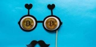 Fãs de Bitcoin invadem Facebook da Receita Federal e ironizam novas regras sobre declaração