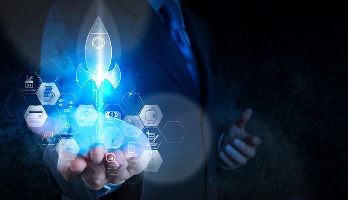 CVM firma acordo de pesquisa sobre blockchain e criptoativos com UFPR